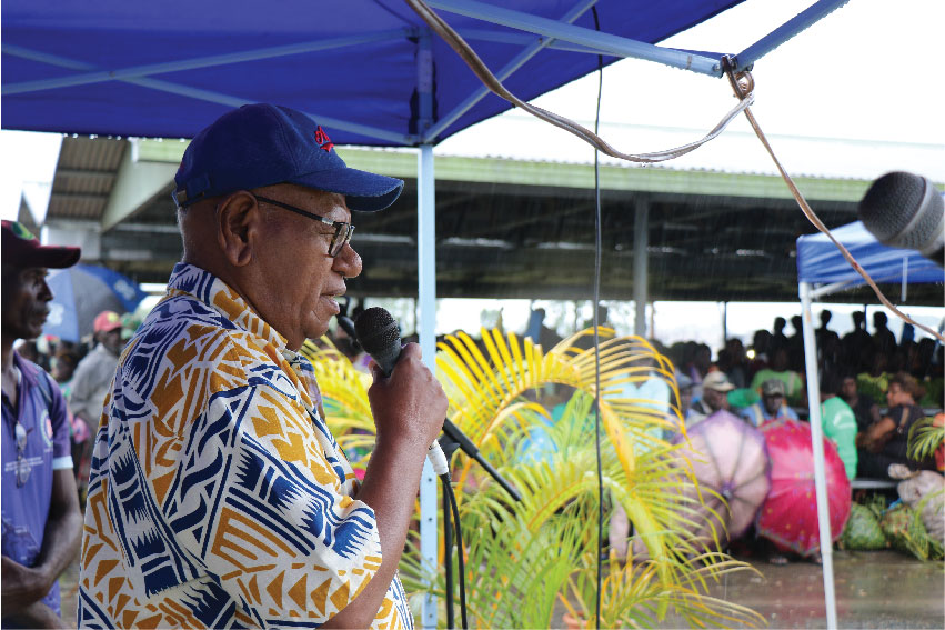 President John Momis addresses the people in Arawa, in March 2019. Photo: UNDP/Stephen Liston